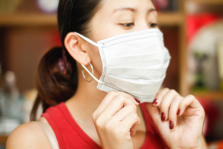 В организациях Витебска противовирусные маски начнут менять по времени и цвету