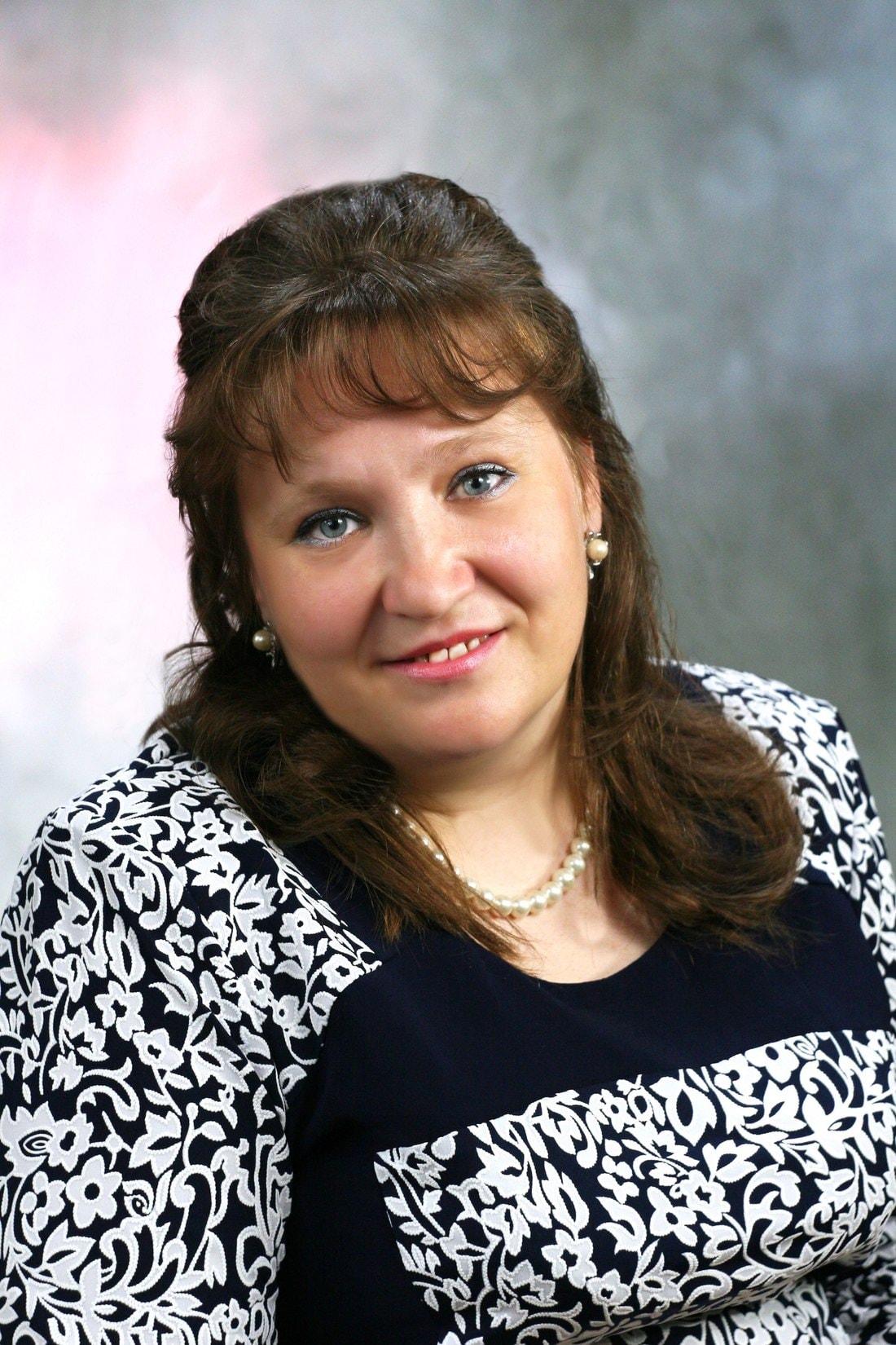 «Маме не выдали ни масок, ни очков». Дочь 47-летней медсестры из Витебска рассказала о трагедии