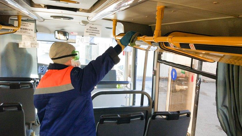 «Денег не всегда хватает даже на топливо и запчасти». У Полоцкого автобусного парка начались проблемы из-за недостатка пассажиров