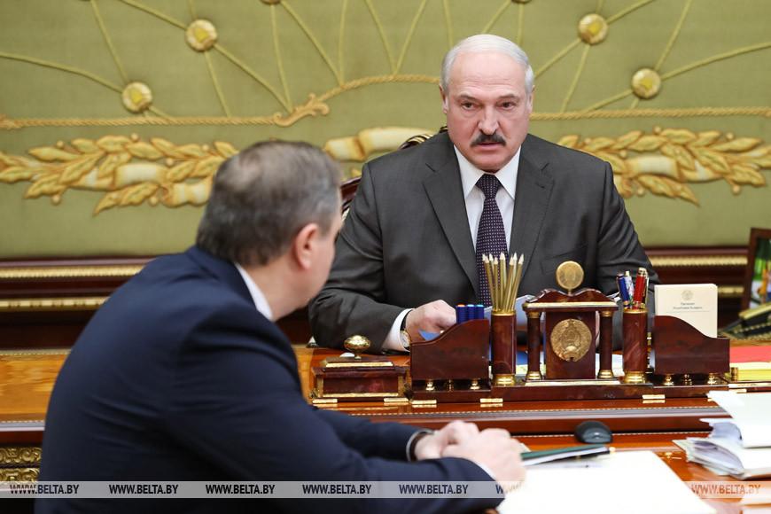 Лукашенко об эпидситуации: расслабляться нельзя, но обстановка улучшается
