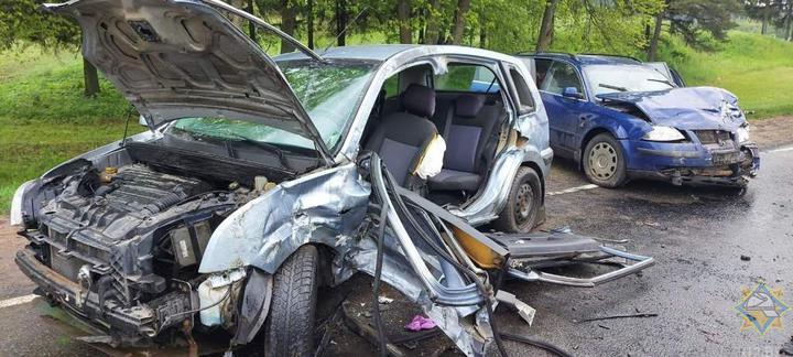В Витебском районе в результате аварии водителя зажало в машине