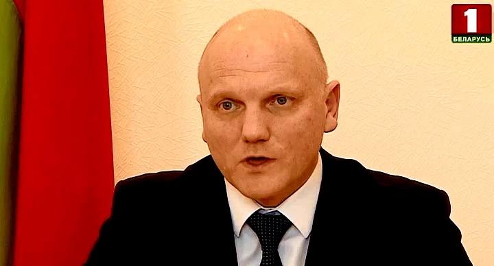 Украина заявила о задержании агента КГБ Беларуси. Его подозревают в налаживании каналов нелегальной переброски оружия с Украины в Беларусь