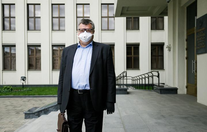 Виктор Бабарико подал обращение в ЦИК о нарушениях Лукашенко