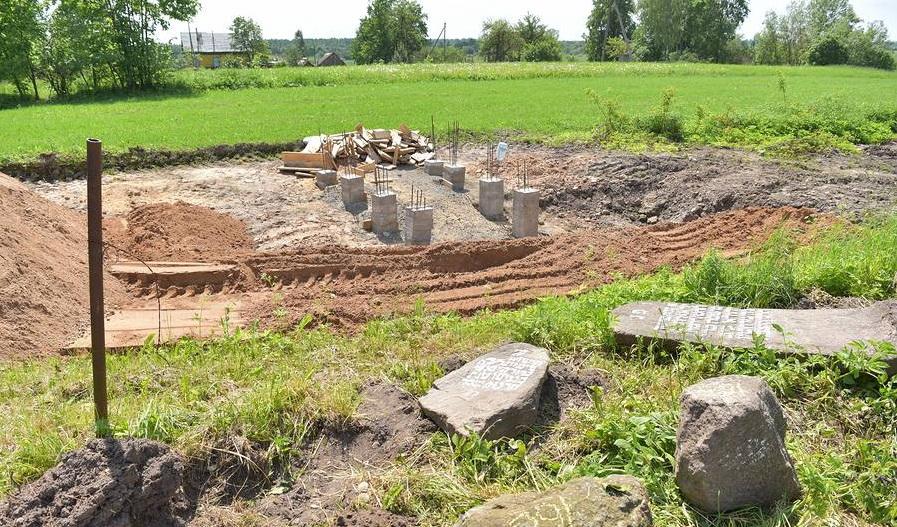 В Витебском районе идёт реставрация старинного еврейского кладбища