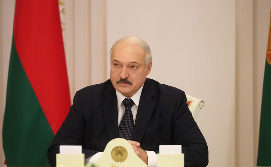 Лукашенко: со сменой правительства революции не будет