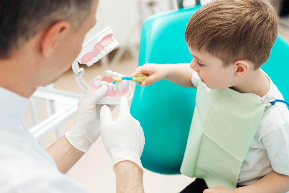 Как подготовить ребенка к осмотру, лечению у стоматолога