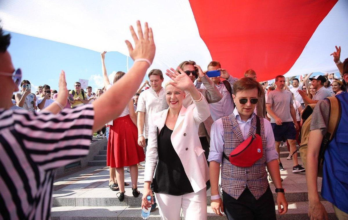 Более 200 000 человек собралось у стелы на митингах в Минске