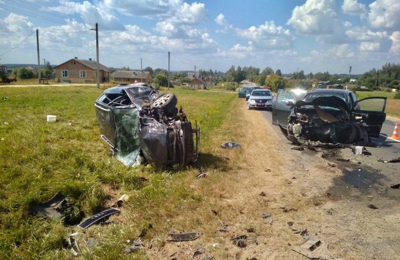 Девушка и ребенок пострадали при аварии в Поставском районе