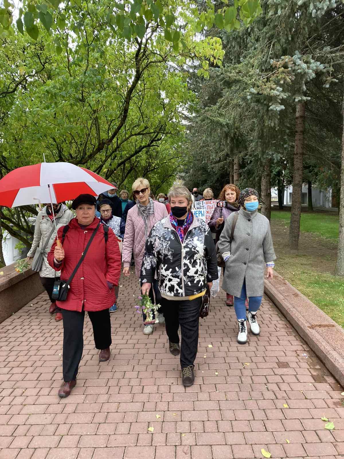"""Пенсіянеры супраць гвалту! Віцебскі """"Марш пенсіянераў""""."""
