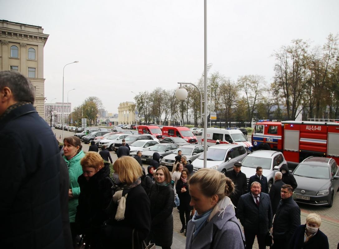 В Минске на Кирова в административном здании случился пожар: эвакуировали 150 человек