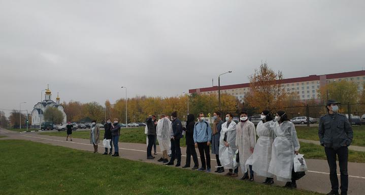 В Витебске проходит мирная акция врачей
