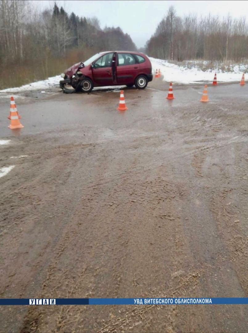 В Шумилинском районе столкнулись две легковушки – пострадала пассажирка