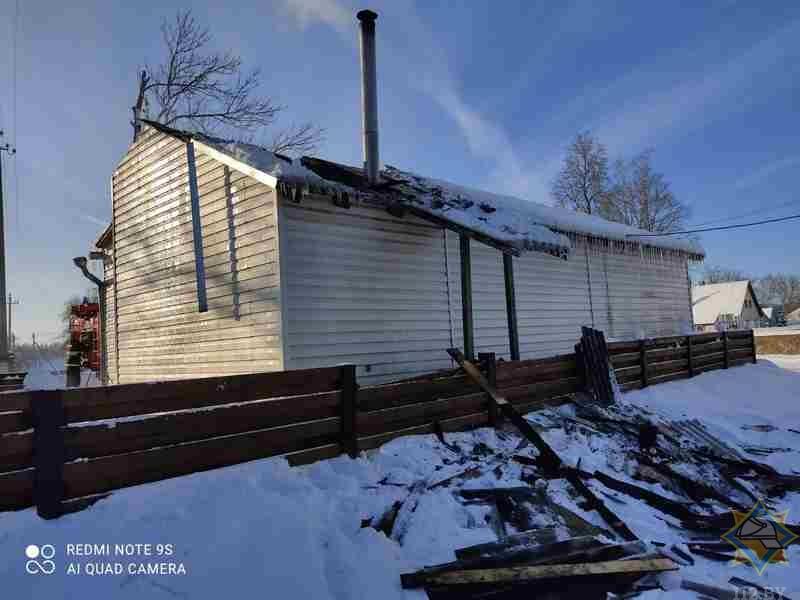 В Поставском районе горел частный магазин