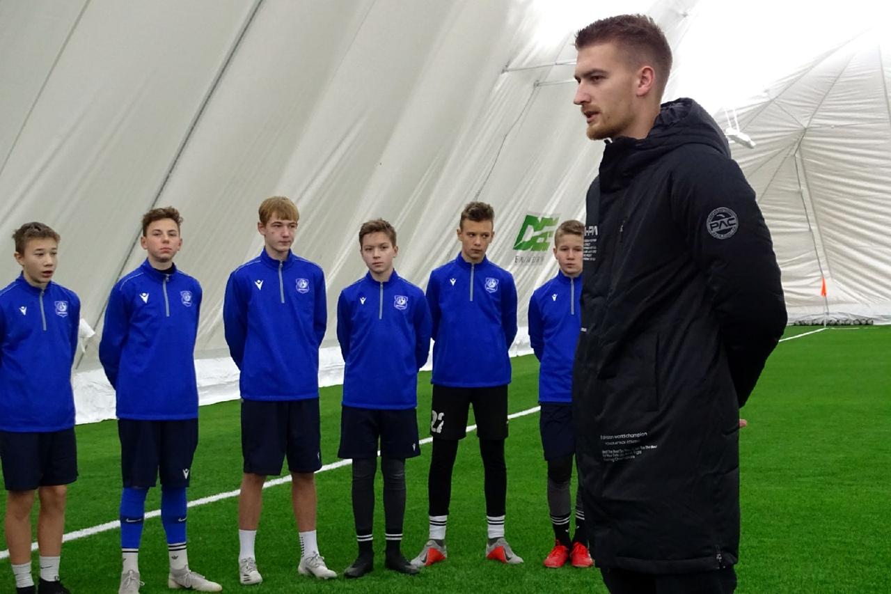 Захар Волков принял участие в тренировке футбольного клуба «Витебск»