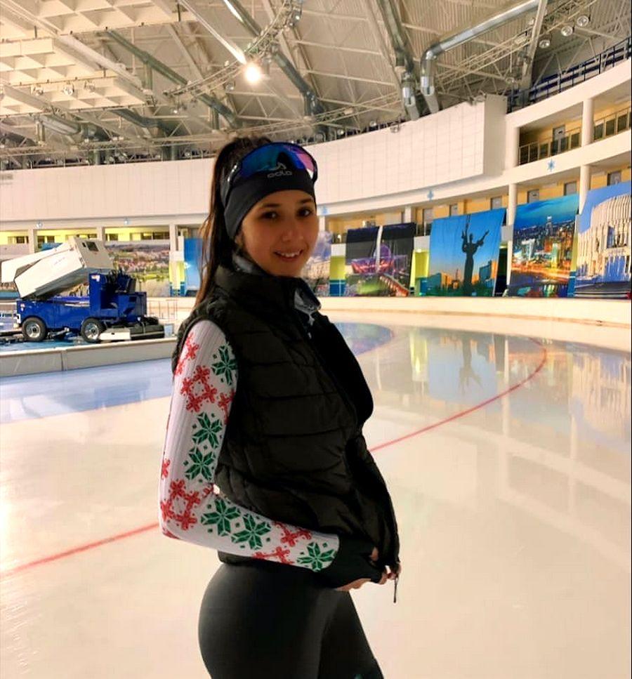 Карина Шипуля из Витебска завоевала 5 медалей на первенстве Беларуси по конькобежному спорту