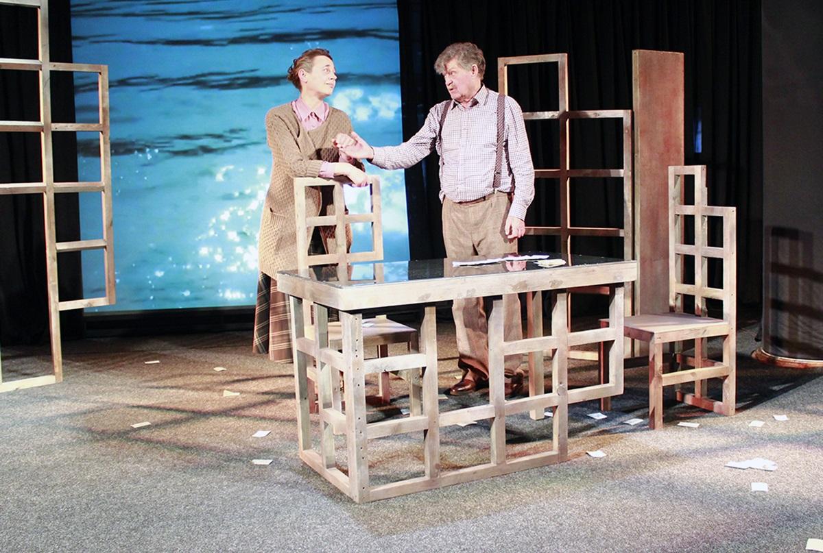 «Гульня ў джын»: прэм'ерны спектакль на камернай сцэне драматычнага тэатра «Якуба Коласа»