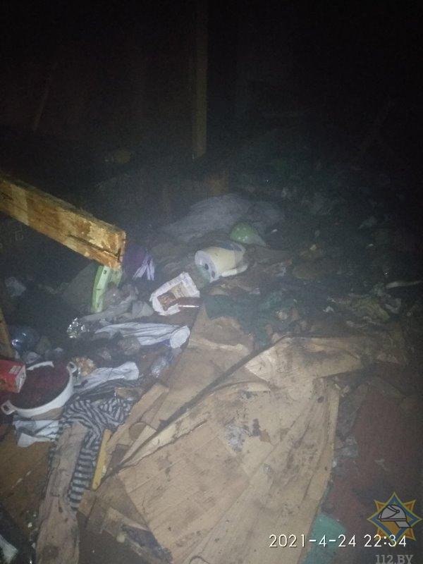 Двое бездомных устроили пожар в многоквартирном доме в Витебске. Пришлось эвакуировать более десяти человек